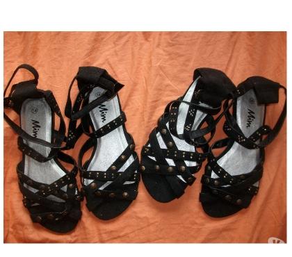 Photos Vivastreet Paires Sandales croisées Noir pt 38-neuves- à 5 €