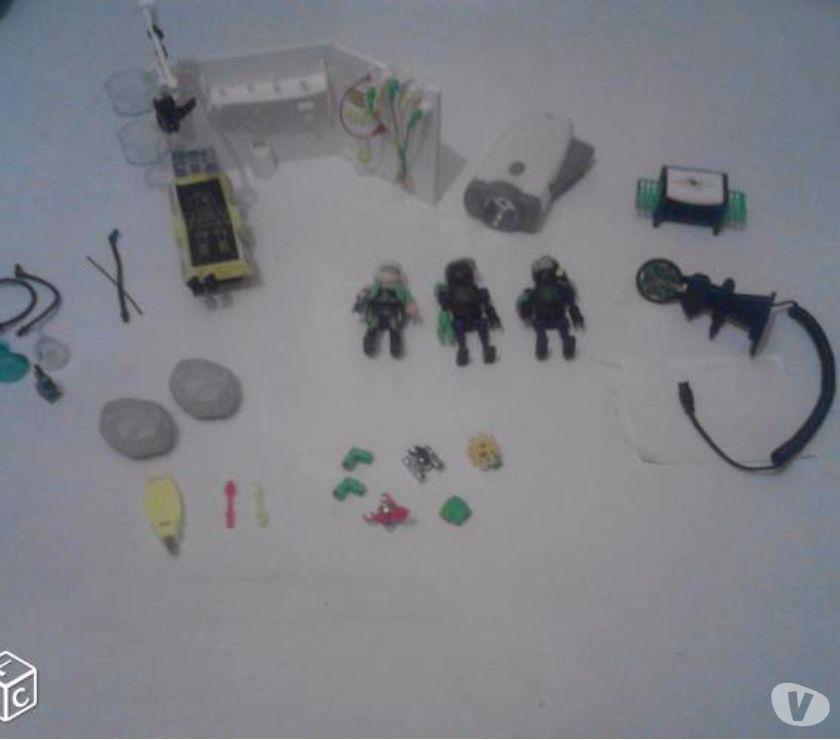 Photos Vivastreet PLAYMOBILS laboratoire du robot gangster