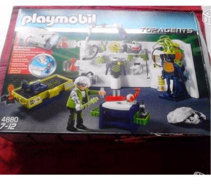 Photos Vivastreet PLAYMOBILS laboratoire du robot gangster