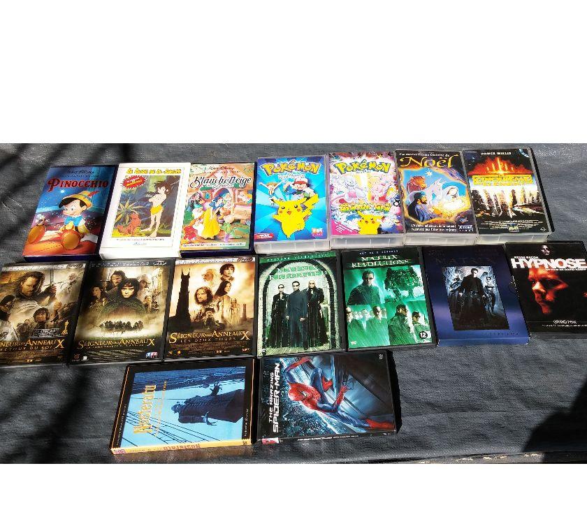 Photos Vivastreet Lot de films originaux sur 12 DVD + 7 films sur K7 VHS