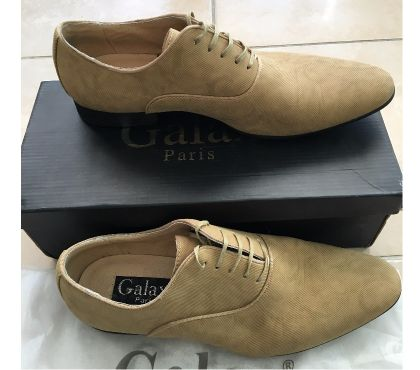 Photos Vivastreet Chaussures de ville Derbies beige
