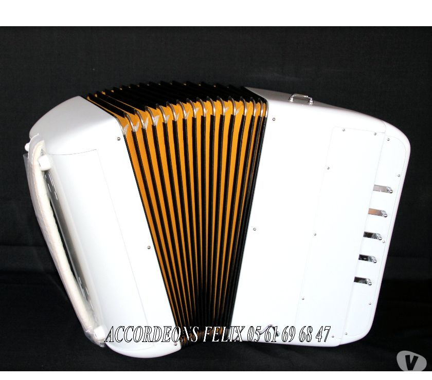 Photos Vivastreet ACCORDEON ACCORDIOLA 012 Carbone Spécial Musette.