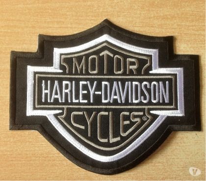 Photos Vivastreet Écusson harley davidson bar and shield noir blanc 17,5x15 cm