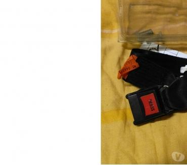 Photos Vivastreet Ceinture de sécurité supplémentaire avec accessoires de mont