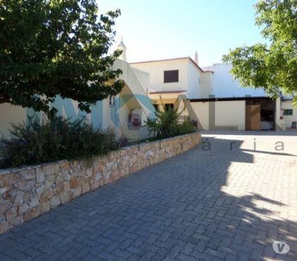 Photos Vivastreet 2 maisons F4 sur 2960m² de Jardin à Quelfes Olhão V-402