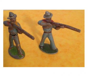 Photos Vivastreet Figurines QUIRALU 2 COW BOYS