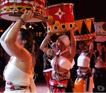 Photos Vivastreet troupes de tambours percussions echasses danses et musiques