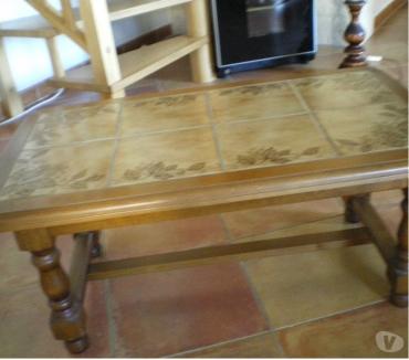 Photos Vivastreet Table basse vintage bois massif + dessus carrelage