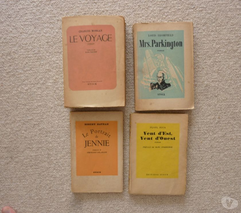 Photos Vivastreet 4 livres anciens collection Stock