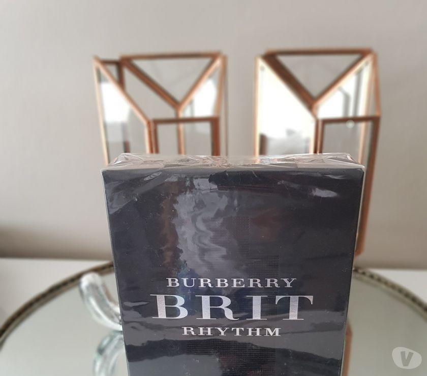 Photos Vivastreet Coffret 2 parfums homme Burberry Brit rythm neuf