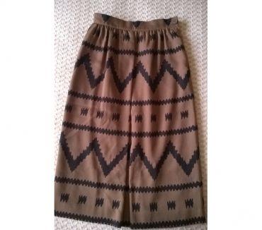 Photos Vivastreet Tailleur de marque jupe et veste