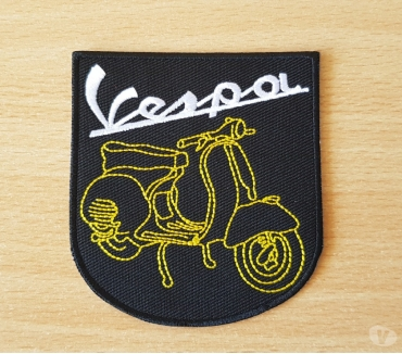 Photos Vivastreet ecusson brodé scooter vespa 8x7,5 cm thermocollant