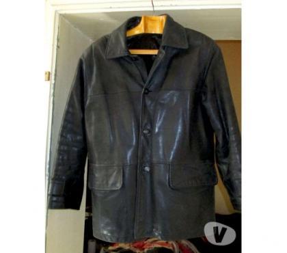 Photos Vivastreet Veste en cuir noir épais.