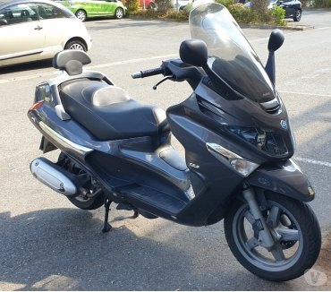 Photos Vivastreet Vend scooter piaggio xevo