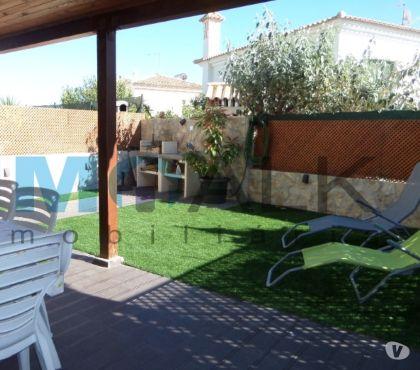 Photos Vivastreet F5 avec jardin et vue mer à Montenegro Faro en Algarve V-736
