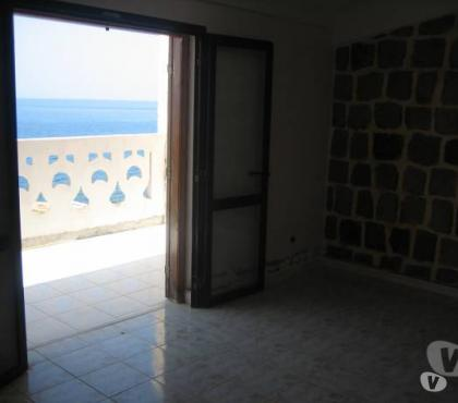 Photos Vivastreet A vendre maison en bord de mer de 240m² à Bejaia (Algérie)