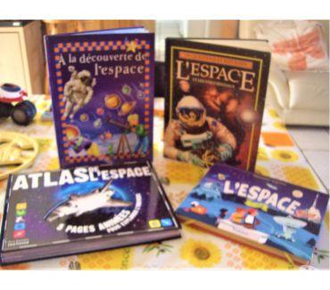 Photos Vivastreet 4 LIVRES SUR L'ESPACE