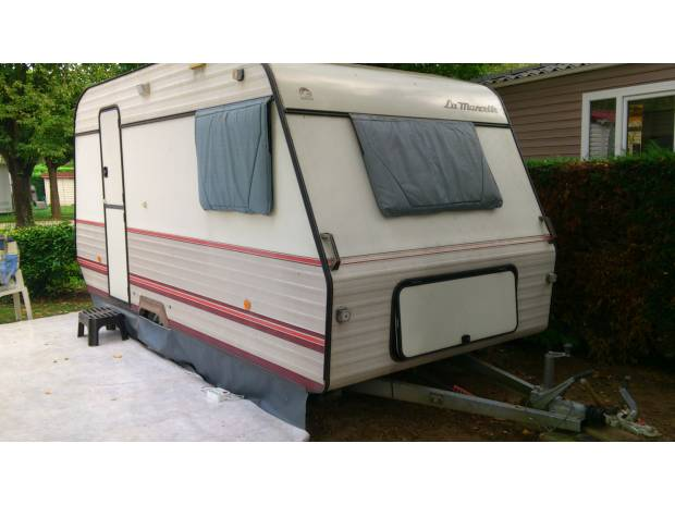 caravane occasion lyon 69006. Black Bedroom Furniture Sets. Home Design Ideas