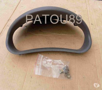 Photos Vivastreet Casquette grise pour compteur Peugeot 206