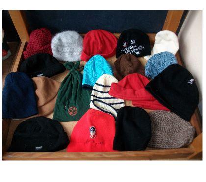 Photos Vivastreet Bonnets divers à 0,30 € pièce