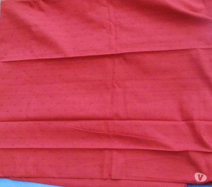 Photos Vivastreet Nappe 138 x 227 cm couleur bordeaux + 8 serviettes