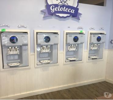 Photos Vivastreet machine à crème glacée molle (carpigiani) utilisée révisée