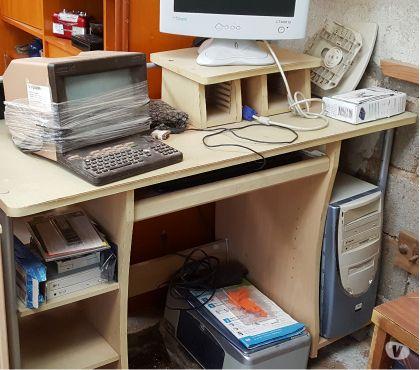 Photos Vivastreet Meuble informatique avec étagères