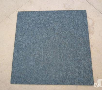 Photos Vivastreet 190 m² dalle de moquette bleu et gris pour les bureaux – TBE
