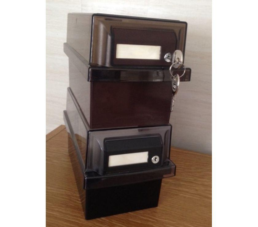 Photos Vivastreet Lot de 2 boîtes de rangement disquettes