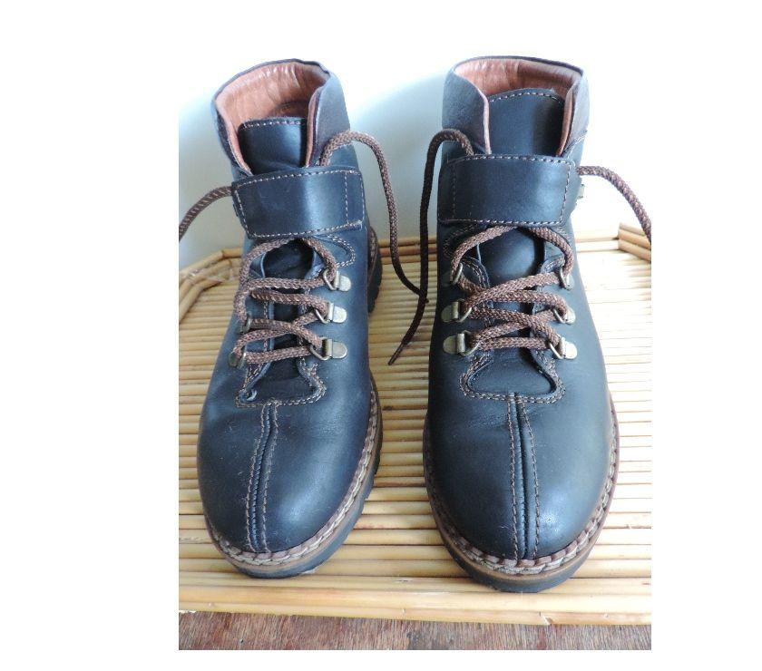 Photos Vivastreet Chaussures de randonnée BALLY P 37
