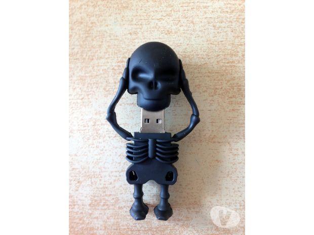 cl usb 8 go fantaisie squelette t te de mort carnon. Black Bedroom Furniture Sets. Home Design Ideas