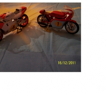 Photos Vivastreet LOT DE 15 MOTOS MINIATURES DE COLLECTION