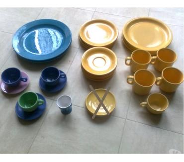 Photos Vivastreet asiettes, tasses et soucoupes colorées - zoe