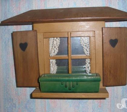 Photos Vivastreet Petit tableau en bois(fenêtre ) travail artisanal