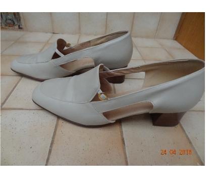 Photos Vivastreet Chaussures beige