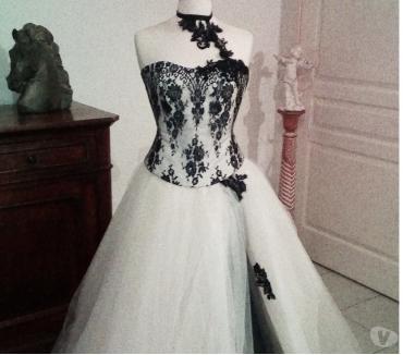 Photos Vivastreet Vends robe de mariée ivoire bustier noir dentelle 38