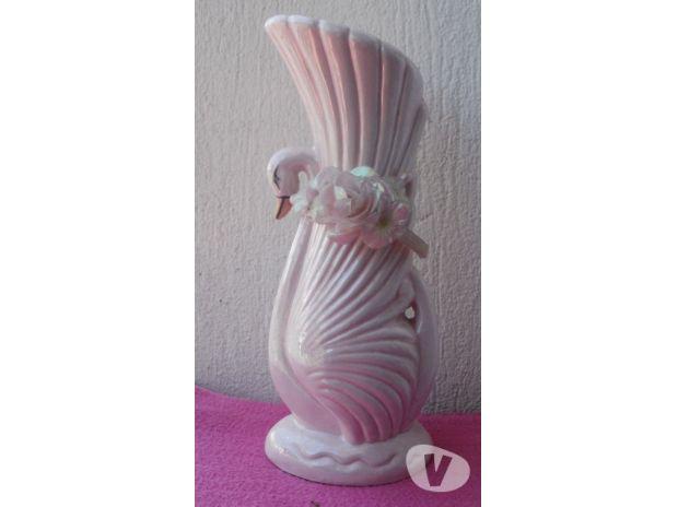 Photos Vivastreet Vase rose en porcelaine, motif avec un cygne