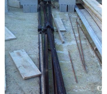 Photos Vivastreet 8 cornières métalliques poteaux de construction