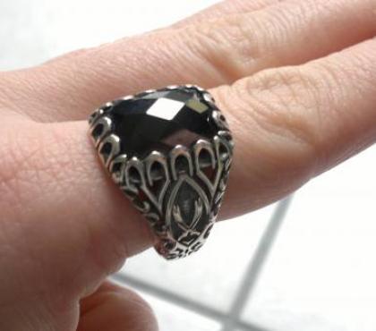 Photos Vivastreet Grosse bague diament noir argent 925 taille 68