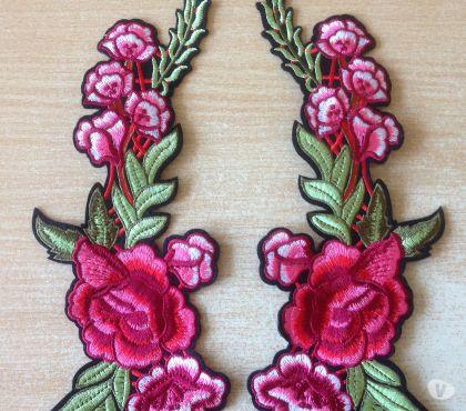 Photos Vivastreet écusson brodé paire de roses thermocollant 26x9 cm