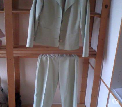 Photos Vivastreet Tailleur pantalon d'été pour femme