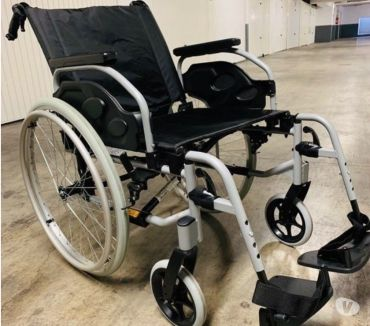 Photos Vivastreet Fauteuil Roulant Manuel Action 2 Basic INVACARE