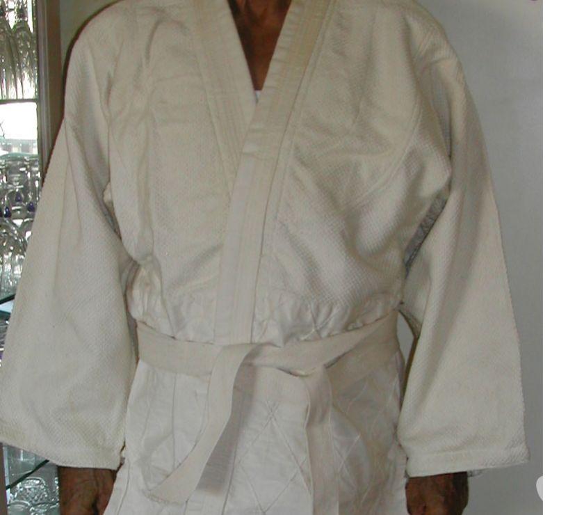 Photos Vivastreet Kimonos adulte - sports martiaux T3T4 180