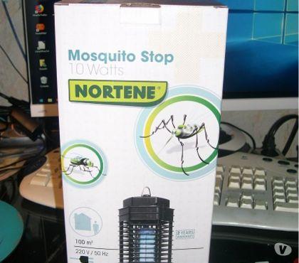 Photos Vivastreet Lampe anti-moustiques intérieur avec LED UV.