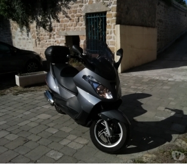 Photos Vivastreet Scooter aprilia 125cm3