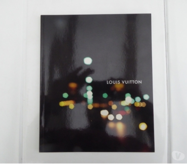 Photos Vivastreet Livre Louis Vuitton catalogue 2006