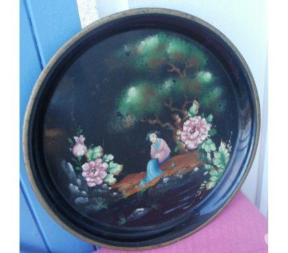 Photos Vivastreet Ancien plateau en tole peint décor du Japon, Ø 34 cm
