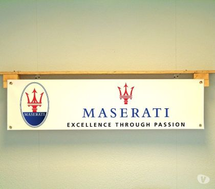 Photos Vivastreet Banderole MASERATI - Idéal décoration garage