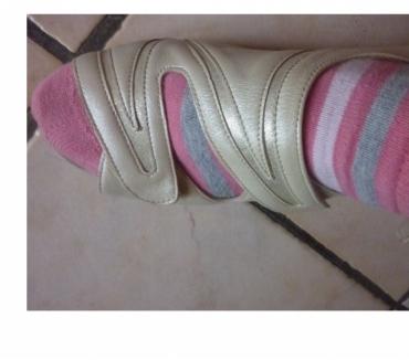 Photos Vivastreet Chaussures pantoufles beige qui s'ouvrent entièrement
