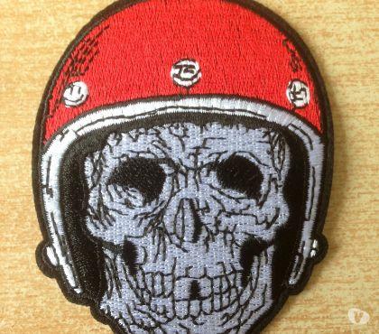 Photos Vivastreet écusson biker motard tête de mort casque rouge
